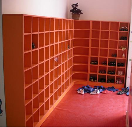幼儿园鞋柜